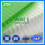 hoja plástica del hueco del policarbonato de la pared del triple de la hoja 10m