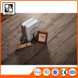 Mattonelle di pavimento di cuoio del PVC di stile classico di buona qualità
