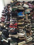 Ботинки используемые оптовой продажей, ботинки второй руки для сбывания