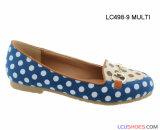 El nuevo partido plano de lujo con estilo hermoso de la alineada embroma los zapatos de las muchachas