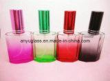 Botella de cristal colorida del aerosol de perfume