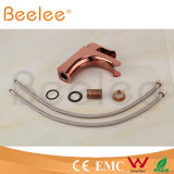 2015 niedriges Arc Rose Gold Single Handle Basin Faucet mit Water Channel Spout Ql140409r