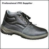 En cuir imperméabiliser la glissade et les chaussures résistantes de dur labeur de pétrole