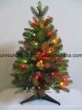 チェリーおよびライト(直接工場)が付いている小さく鉢植えなクリスマスツリー