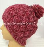 Chapéu de confeção de malhas do cabo cor-de-rosa da forma com Pompom Hjb060