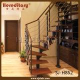 ステンレス鋼ケーブルの柵(SJ-H852)が付いている贅沢な穏やかな鋼鉄木製のステアケース