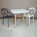 木足および椅子(SP-CT346)が付いているコンスタンチーンGrcicの喫茶店のレストラン表