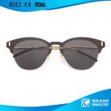 Premières lunettes de soleil polarisées par forme drôle de vente en métal de lentille pour des femmes