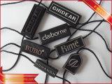 Étiquette en plastique de joint de vêtement d'étiquette avec le logo gravé en relief