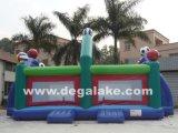 L'estremo gonfiabile mette in mostra il gioco per il parco di divertimenti