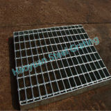 reja de acero Bien-embalada usada como drenaje del camino
