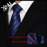 Quadrato Pocket di seta tessuto Mens di alto modo con la cravatta di corrispondenza