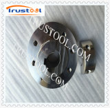 O CNC que faz à máquina produtos de aço inoxidáveis feitos sob encomenda seja Polished