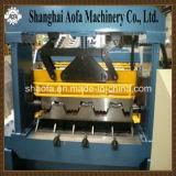 0.8-1.5mmは機械を形作る鋼鉄床のDeckingロールに電流を通した
