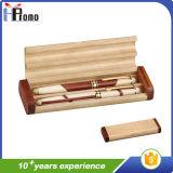 Boîte à stylo en bois à l'intérieur de 2 stylos