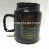 선물 세트로 20oz를 가진 세라믹 돋을새김된 로고 블랙 커피 컵