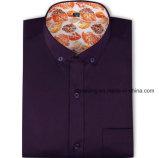 La chemise formelle de cinq hommes de couleur
