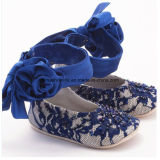 Сандалии Китая младенческие вскользь с вышивкой цветка