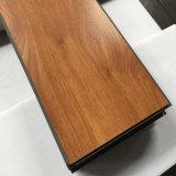 Het Vinyl van de Luxe van pvc klikt de Tegels/de Planken van de Bevloering (lei/hout die in reliëf maken)
