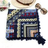 Type national d'écharpe de mode avec le châle de grand dos de coton de sergé de gland