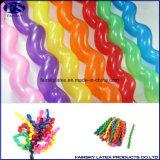 卸し売り安く自然な乳液の多色刷りのねじれる螺線形の気球