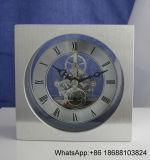 Horloge argentée brillante de bureau, horloge argentée exécutive de bureau
