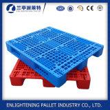 Palette faite face simple de plastique de crémaillère de HDPE de type d'entrée lourde de 4 voies