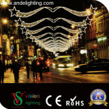 LEDのクリスマスのモチーフの十字の街灯