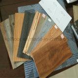 Cliquetis de stratifié de &PVC de WPC et plancher lâchement étendu de vinyle