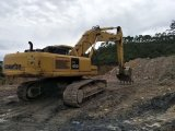 使用された掘削機の小松400-7の作動状態
