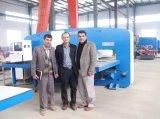 Máquina de perfuração hidráulica da torreta do CNC do furo do metal de folha