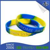 Bracelets estampés par logo fait sur commande en caoutchouc de silicones