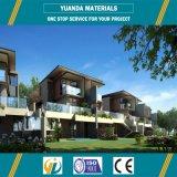 Le case prefabbricate poco costose moderne digiunano villa d'acciaio chiara concreta di configurazione