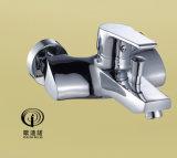 Faucet fixado na parede 68118 da cozinha do punho de bronze do zinco do corpo