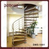 Escalera espiral de madera para el chalet (DMS-1001)