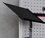 Titular ordenador (Altura y el ángel ajustable); armario de herramientas