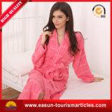 Robe de bain d'hiver avec qualité pour l'hôtel Stars, matériau de velours de corail avec impression
