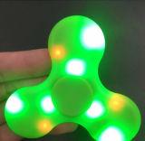 Nueva persona agitada del hilandero del altavoz de Bluetooth del hilandero de Smartek con el hilandero ligero colorido de la persona agitada del hilandero de la mano del LED con el mini hilandero de la Altavoz-Mano de Bluetooth