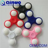 Tri Unruhe-Spinner-Spielzeug mit LED-Licht-Handspinner-Unruhe EDC-Kreiselkompass-Schreibtisch-Fokus-Spielwaren