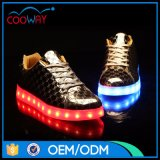 Gute Qualitätsschnüren sich beste verkaufenmann-Turnschuhe oben LED-Schuhe