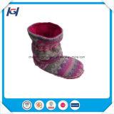 뜨개질을 한 발 온열 장치 겨울 소녀 공상 겨울 시동을 데우십시오