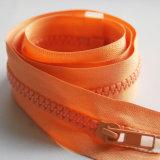 Cremallera anaranjada de la resina 5# con precio de las acciones