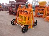 La macchina vuota concreta del blocchetto di Laier del grande uovo semi automatico di formato di alta qualità Qmy4-45 ha distributori in Africa