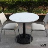 Moderne künstliche runde Steinspeisetische und Stühle