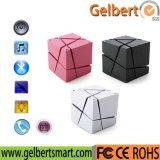 Altavoz sin hilos estéreo de alta fidelidad portable del cubo universal LED Bluetooth