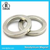 Ímãs diametralmente magnetizados do altofalante do anel de NdFeB