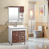 Просто шкаф ванной комнаты PVC с серебряными зеркалом и шкафом стороны