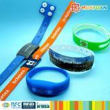 사건 축제를 위한 저속한 빛 MIFARE 고전적인 EV1 4K LED 실리콘 RFID 팔찌
