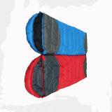 Sac de couchage rouge et bleu de coton de cavité de sport en plein air