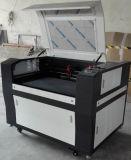 De Ce Goedgekeurde Gravure van de Laser en Scherpe Machine voor Hout/Glas